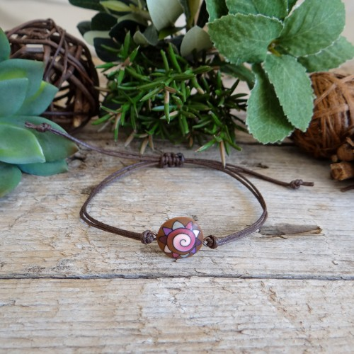 Simple Stackable String Bracelet with an Abstract Charm