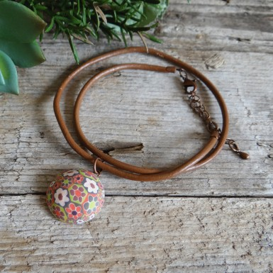 Brown Hippie Floral Choker on a Leather Cord