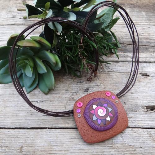 Unique Short Earthy Pendant Necklace