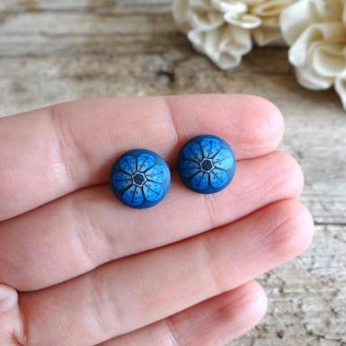 Majhni okrogli uhančki - temno modre rožice