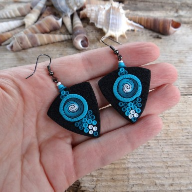 Black Statement Dangle Earrings with a Pink Spiral Pattern
